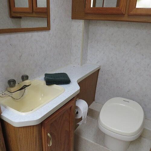 photos de wc chimiques mon. Black Bedroom Furniture Sets. Home Design Ideas